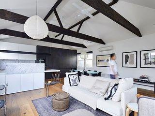 Stunning 2 Bedroom Home in Albert Park