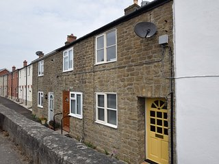75565 Cottage situated in Bridport