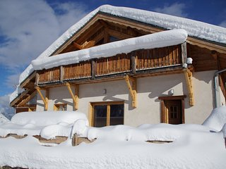 Chalet de Ski à Valloire | Local à Skis + Navettes Gratuites