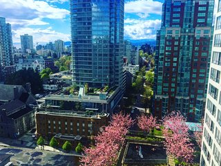 Central downtown, walk to everything, in the heart of Vancouver