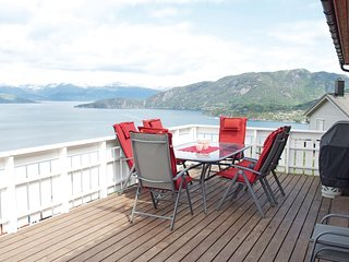Nice home in Jondal w/ WiFi and 3 Bedrooms (N19009)