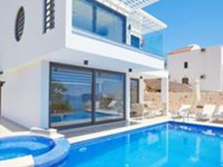 Villa Resital - 4 bedrooms - Kalamar Bay