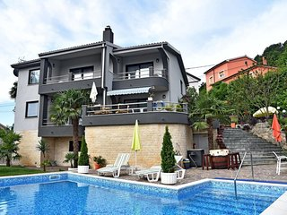 5 bedroom Villa with Pool, Air Con and WiFi - 5803189