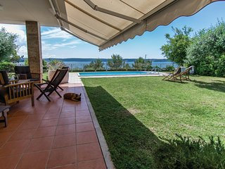 Amazing home in Portoroz w/ WiFi, Outdoor swimming pool and 3 Bedrooms