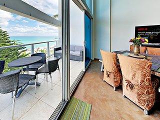 Oceanfront Miami Beach Dream Vacation Suite (MBDV)
