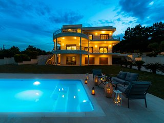 Villa Amaltheia 5 bedroomed villa with private swimming pool