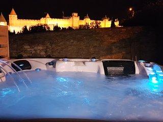 L'ecrin de la Cite Carcassonne : Villa de luxe avec piscine chauffee, 2 jacuzzis