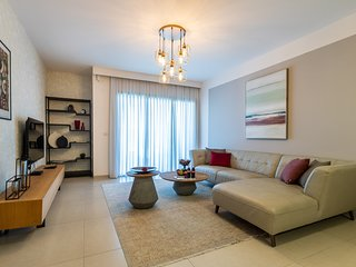 Luxury Three-Bedroom/Terrace Over Old City View