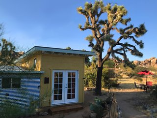 Beautiful Cabin very close to Joshua Tree National Park