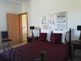 Luminoso Apartamento T1 com Piscina para Férias em Albufeira