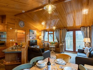 Lakeshaven Lodge, White Cross Bay Holiday Park