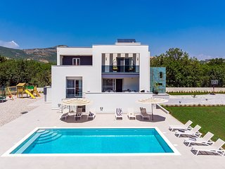New!Villa Marijeta exclusive 5 star villa with 50sqm private pool and 6 bedrooms