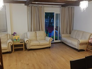 Cosy house close to Central London, up to 5 people, private garden