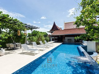 Modern/Traditional Private 4 Bedroom Pool Villa!