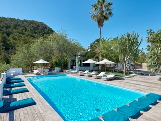 Catalunya Casas: Elegant Villa Nova in Ibiza with beautiful views!