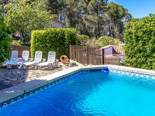 Delightful Mountain Villa, for 6 guests, only 15km from Barcelona!