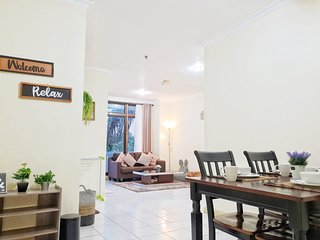 Sweet & Cozy 2 BR Apartment. Near Hartono Mall, Ambarukmo Plaza, and airport