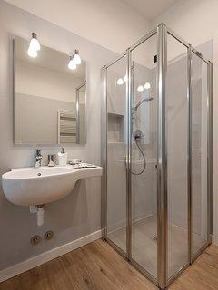 La Corte di Zizi, appartamento 'Riva': un bagno