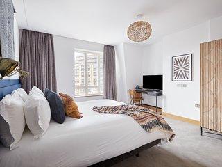 Sonder | Edgware Road Hotel | Stylish Room