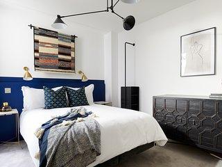 Sonder | Edgware Road Hotel | Modern Room