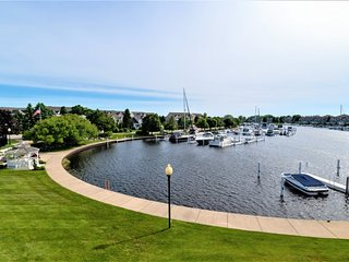 Quiet Waters - Waterfront Condo on Harbor