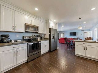 A+ Location! Pet Friendly, 2 Master Bedrooms, Business or Pleasure, Near Dining,