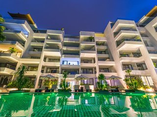 Large 3-bedroom sea view apartment in Surin Beach