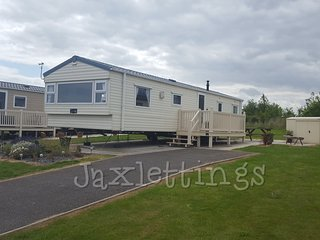 Caravan to rent Sand Le Mere, Tunstall, Near Withernsea