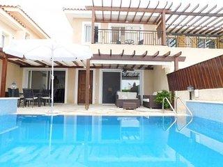 3 Bed Paphos Villas - Coral Bay (095)**