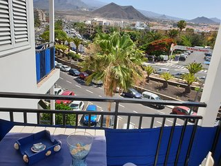 Apartment Azul only some steps to the beach, balcony, wifi, mountain views