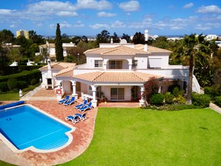 Luxury villa with private pool, seaview, 2300 qm, Alto Golf
