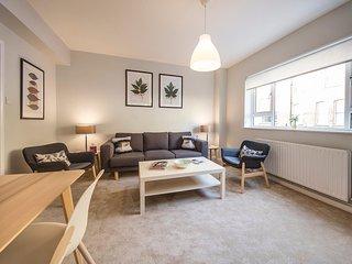 Spacious South Kensington Modern 2 floor 2 bed Apt