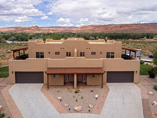 SG3 | Upscale Rental With Huge Wrap-Around Patio and Near Arches National Park