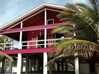 Hibiscus House Utila
