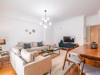 Petal Apartment, Marques de Pombal, Lisbon