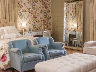 Garden Suite - Bridgewater Hall Historic Inn