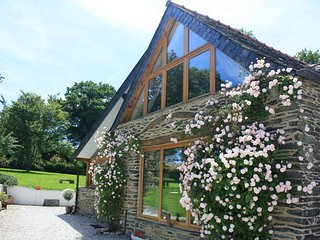 Stunning Stable Conversion. Ideal Getaway for Couples. Great location!