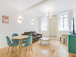 A Trendy 1-BDR Apartment in Saint Germain