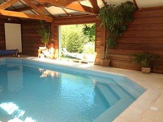 maison de vacances avec pisine interieure et sauna