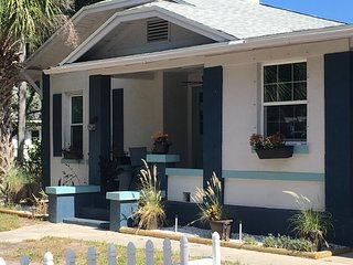 1923 Ozona Bungalow with Bicycles, Kayaks, and Dog Friendly!