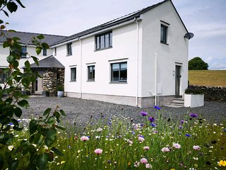YEW FOLD, countryside, open-plan, in Kirkby in Furness