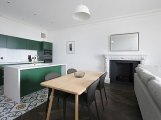 Airinis (Deluxe 1-bedroom apartment) - Deluxe 1-bedroom apartment within the bea