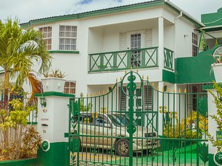 Cozy Apartments in Porters Saint James