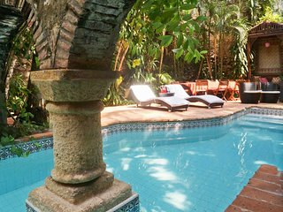 Mansion in Walled City - Colonia Pool - Rooftop - BBQ