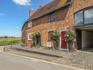 RIVER COTTAGE, WiFi, open-plan living in Tewkesbury