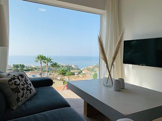 Tranquila Townhouse - Sea View