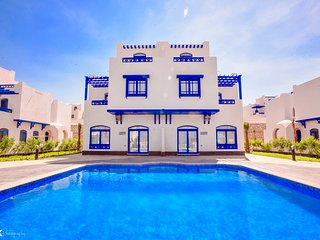 Luxury 4BD Villa in Hurghada, Sea View, Private Heated Pool