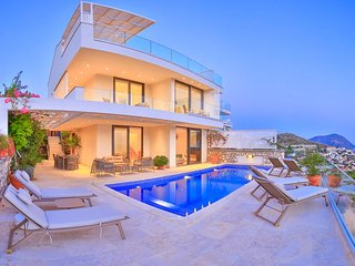 Villa NaMe beautiful sea views - HEATED POOL