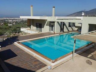Aelia / Luxurious villa with pool near the beach
