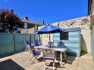 Gerald's Place - Modern holiday home in Walmer, Deal with parking
